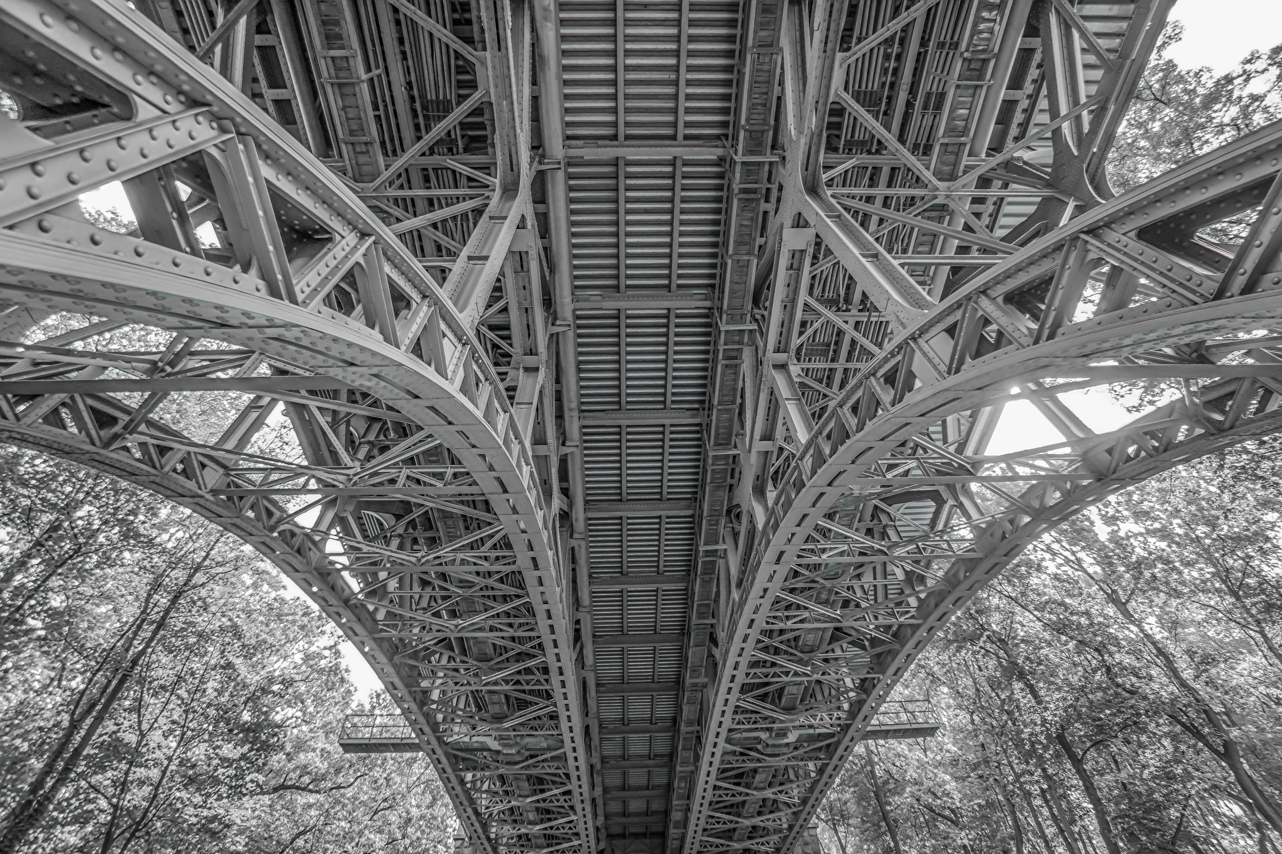 architecture-black-and-white-bridge